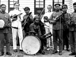Wajang foxtrot || westers muziekleven in Nederlands-Indië