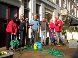 Spring cleaning in Mallemolen ready for the 'terrace season'