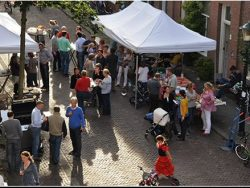 Organize a street party and get to know your neighbour